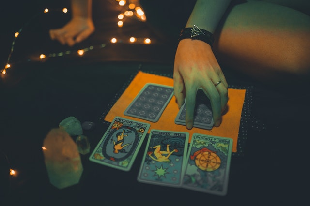What Are The Top Three Steps To Follow For Love Tarot Reading?